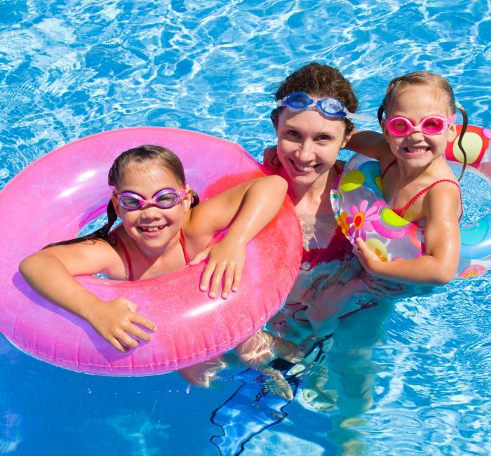 Family in Roslyn Ridge Pool